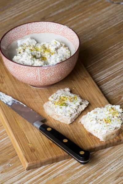 Tartinade de chèvre aux pistaches et menthe