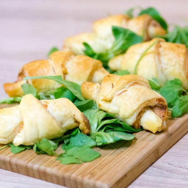 Mini-croissants au saumon et au kiri